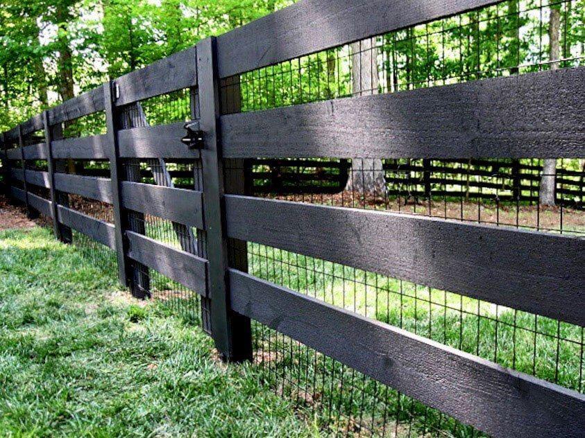 Black Metal Rectangular Goat Fence