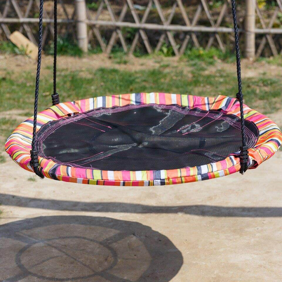 Outdoor tree swing with round seat