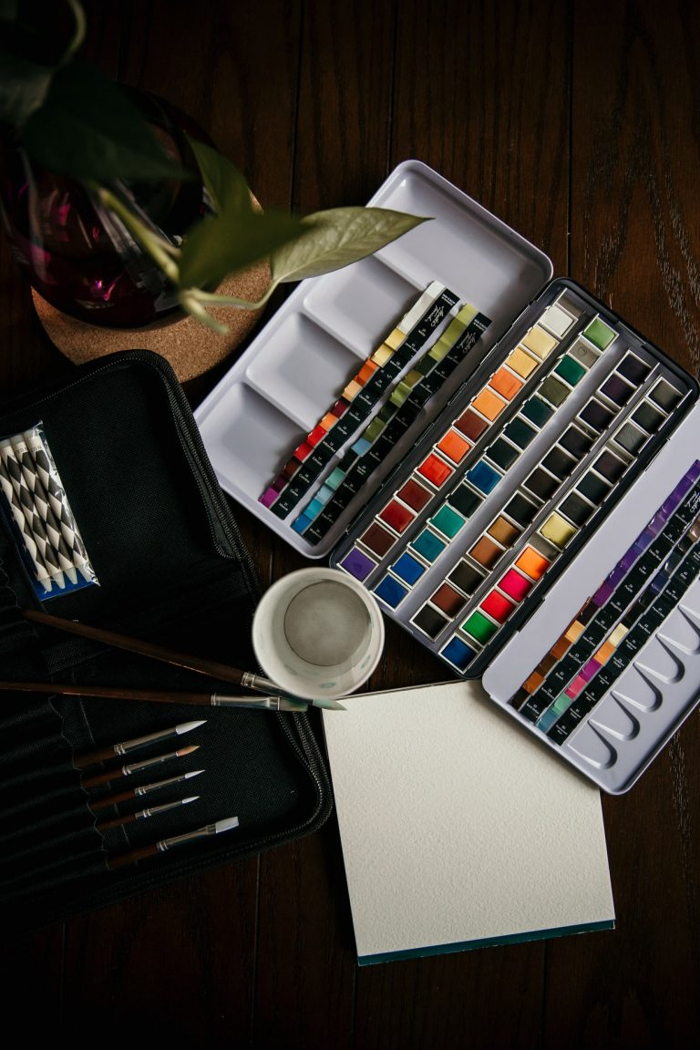 14 Best Watercolor Paint Sets for Beginner & Professional Artists