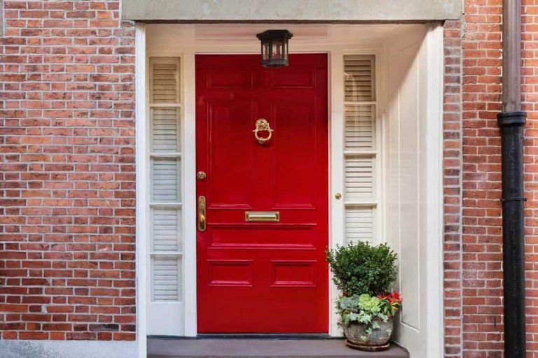 A Red Front Door- What Does It Mean, And How Does It Work?
