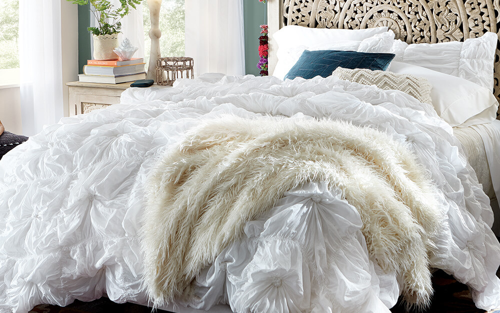5+ Warmest Blankets for Your Bed