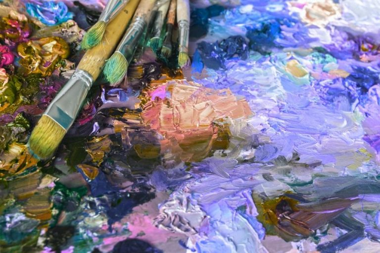 What Colors Make Purple and how to mix Shades of Purple Color for an Artist