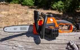 BLACK+DECKER MAX Cordless Chainsaw (LCS1020)