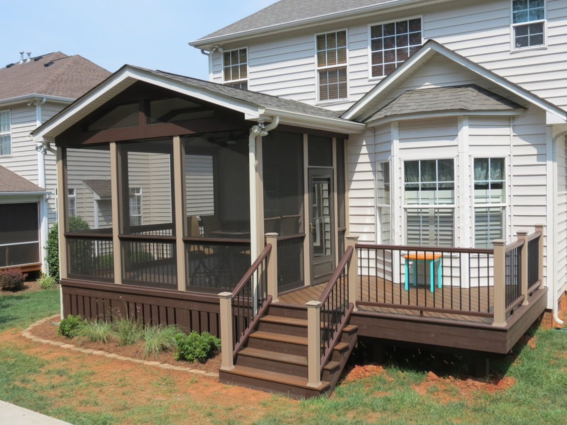 Benefits that a Screened-in Porch Offers