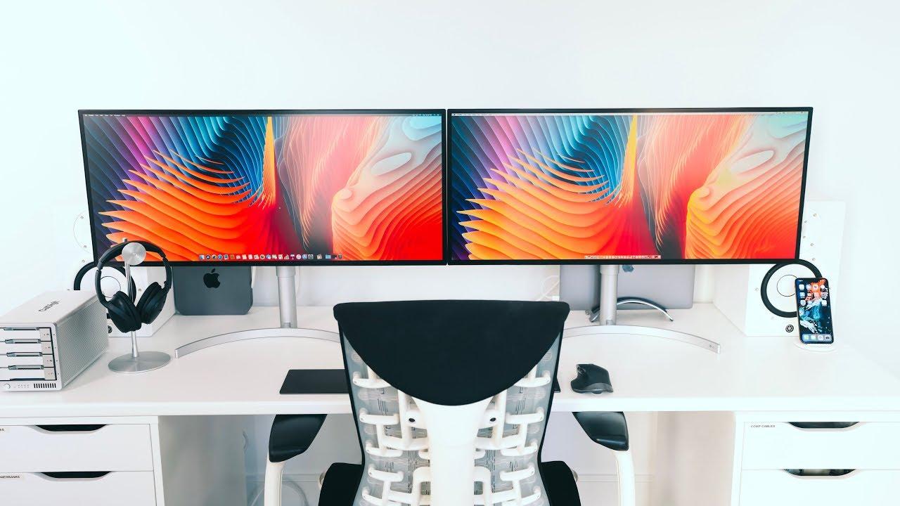 Multiple Screens Desk