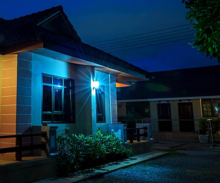 What Does the Colour Of A Porch Light Mean